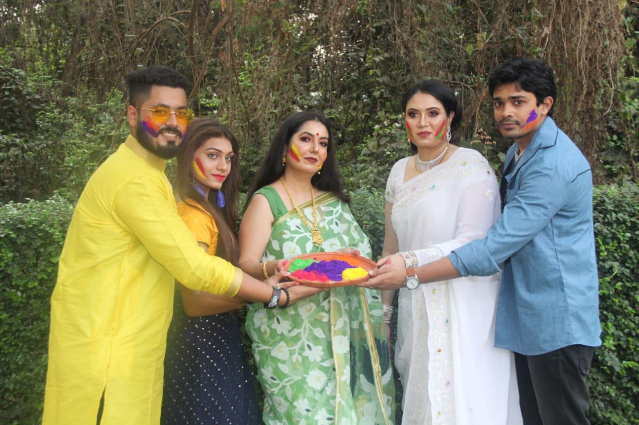 'ফ্ৰেন্ডস্ মার্কেটিং' কলকাতায় সর্ববৃহৎ দোল উৎসব