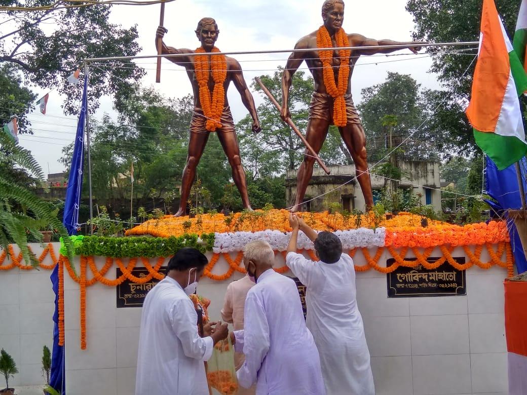 সংগ্রামী শহীদের মূর্তি উন্মোচন মানবাজারে