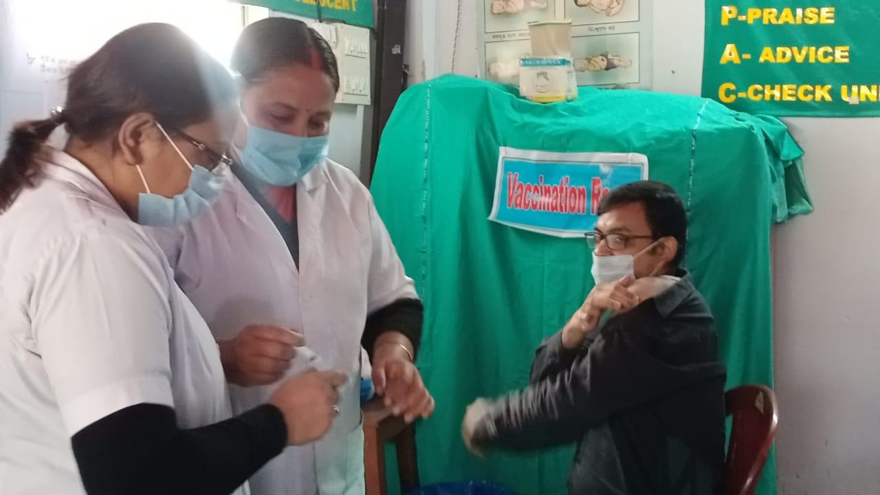 আলিপুরদুয়ারের ব্লক হাসপাতালে শুরু কোভিড টিকাকরণ প্রকল্প